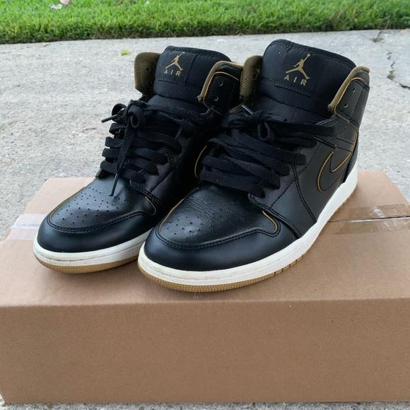 Jordan Shoes   Mens 1 Metro Mid Black